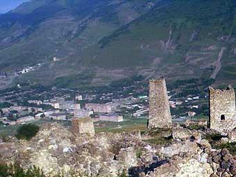 Вид на Верхний Фиагдон из селения Цмити. Куртатинское ущелье